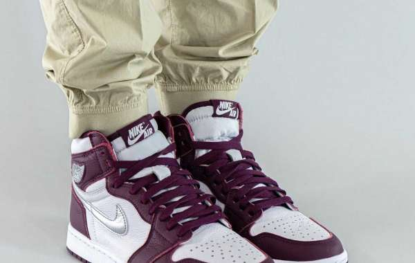 "555088-611 Air Jordan 1 High OG ""Bordeaux"" Basketball Shoes"
